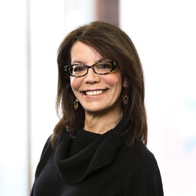 Professional Cropped Kantor Patricia Mintz